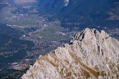 Montaña Zugspitze, Alemania de la nieve. Fotografía de archivo