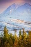 Montañas árticas noruegas fotografía de archivo libre de regalías