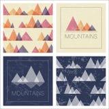 Montañas abstractas en estilo geométrico Imagenes de archivo