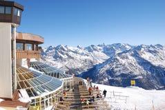 Montañas alpestres del invierno Imágenes de archivo libres de regalías