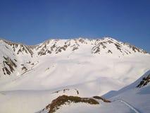 Montañas alpinas de Japón de la ruta de Tateyama Kurobe, Toyama, Japón Fotos de archivo libres de regalías