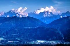 Montañas austríacas en Carinthia, entre Austria e Italia Imagenes de archivo
