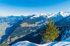 Montañas austríacas, estación de esquí de Mayrhofen Imágenes de archivo libres de regalías