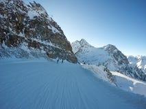 Montañas austríacas hermosas en Soelden, el Tyrol, pico en 3 000 metros de altura fotos de archivo libres de regalías
