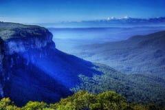 Montañas azules Foto de archivo libre de regalías