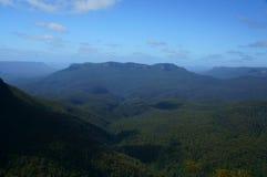Montañas azules Foto de archivo