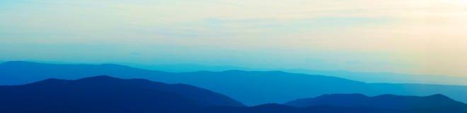 Montañas azules empiladas de MRidge Foto de archivo
