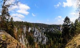 Montañas Bastai de la piedra arenisca en Suiza sajona Foto del día Fotografía de archivo libre de regalías