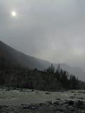 Montañas brumosas Imagenes de archivo