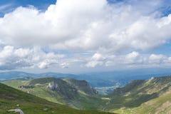 Montañas cárpatas rumanas Imágenes de archivo libres de regalías