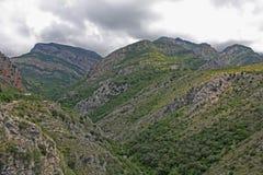 Montañas cerca de la barra vieja Fotografía de archivo