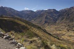 Montañas cerca de la barranca de Colca Foto de archivo libre de regalías