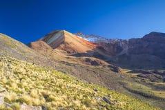 Montañas coloreadas Imagenes de archivo