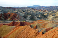 Montañas coloridas Imágenes de archivo libres de regalías