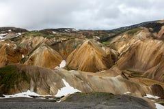 Montañas coloridas de Landmanallaugar, en la naturaleza Rese de Fajllabak Fotografía de archivo