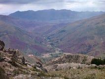 Montañas coloridas hermosas cordillera de los Frailes en Bolivia Foto de archivo libre de regalías