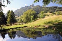 montañas con el SPITZ llamado superior de Tonezza foto de archivo libre de regalías