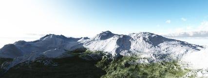 Montañas coronadas de nieve en día soleado Imagenes de archivo