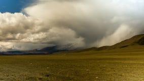 Montañas de Altai Paisaje hermoso de la montaña Rusia Siberia Timelapse almacen de metraje de vídeo