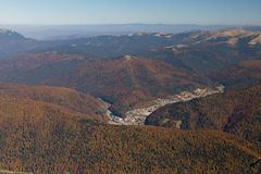 Montañas de Bucegi en las estaciones del otoño Fotografía de archivo