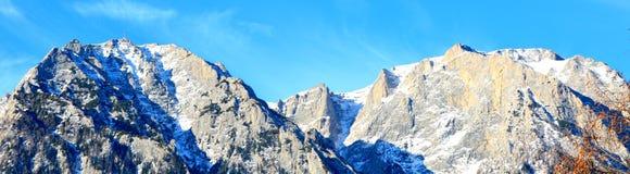 Montañas de Bucegi en las montañas de Cárpatos foto de archivo libre de regalías