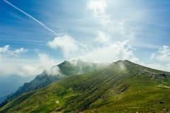 Montañas de Bucegi, la cruz de Caraiman Fotos de archivo libres de regalías