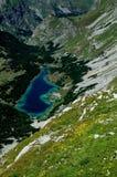 Montañas de Durmitor, Montenegro, lago Skrcko Imagenes de archivo