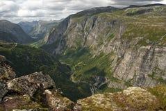 Montañas de Eikesdal Imágenes de archivo libres de regalías