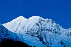 Montañas de Gangapurna y de Annapurna Fotos de archivo libres de regalías