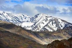 Montañas de Himalaya en valle del spiti de la India imagenes de archivo