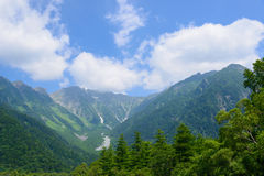 Montañas de Hotaka en Kamikochi, Nagano, Japón Imágenes de archivo libres de regalías