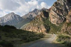 Montañas de Kirguizistán. Fotografía de archivo