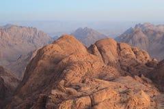 Montañas de la mañana fotos de archivo