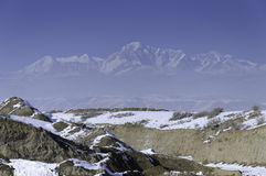 Montañas de la nieve Fotografía de archivo libre de regalías