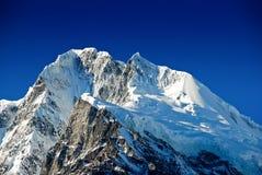 Montañas de la nieve Imagenes de archivo