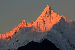 Montañas de la nieve de Meili Fotografía de archivo libre de regalías