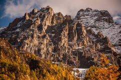 Montañas de la nieve en Aden National Reserve, Szechwan Imágenes de archivo libres de regalías
