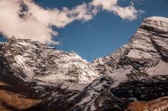 Montañas de la nieve en Aden National Reserve, Szechwan Foto de archivo