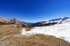 Montañas de la nieve en el valle Jiuzhaigou Imagen de archivo