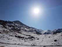 Montañas de la nieve kazakhstan Alatau Foto de archivo