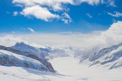 Montañas de la nieve, Suiza Foto de archivo