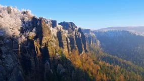 Montañas de la piedra arenisca de Elba en el invierno, Winterberg Imagen de archivo