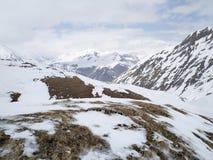 Montañas de la primavera imagenes de archivo