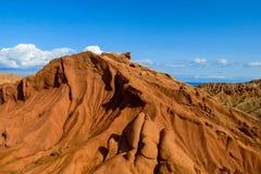 Montañas de la roca de la forma y valle inusuales de la formación de roca fotos de archivo