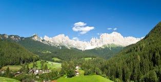 Montañas de la rosaleda Imagen de archivo