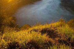 Montañas de la salida del sol Mañana Volcano Viewpoint de la naturaleza de Asia Senderismo de la montaña, paisaje de la opinión d Imágenes de archivo libres de regalías