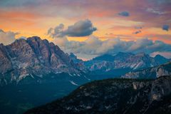 Montañas de las dolomías Italia Foto de archivo
