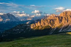 Montañas de las dolomías Italia imagen de archivo