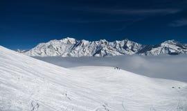 Montañas de las montañas del invierno Fotos de archivo