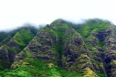 Montañas de Oahu en el rancho de Kualoa imágenes de archivo libres de regalías